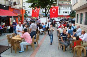 MHP' Of'ta sokak iftarında buluştu
