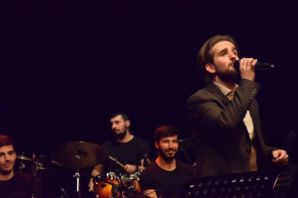 Mesut Çakır ilk konseriyle hayranlarıyla buluştu