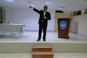 İlahiyatçı İsmail Toprak Of İHL Konferans