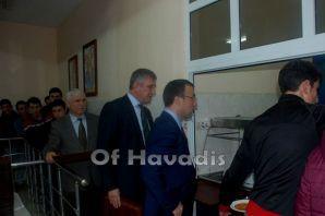 Kaymakam Arslan ve Başkan Sarıalioğlu lise öğrenci