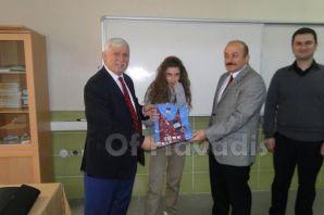 TEOG'da başarılı olan okullar ve öğrencilere ödül