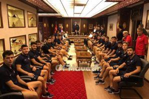 Ofspor'dan Kaymakam Fırat'a 30 Ağustos ziyareti