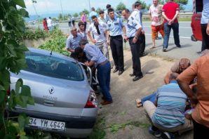 Of'ta kaza üç kişi yaralandı