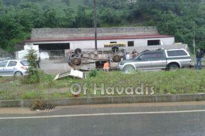 Of'ta yolcu midibüsü takla attı; 1 ölü, 1 yaralı