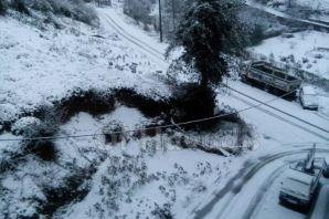 Kar yağışı Of'ta okullara tatil getirdi