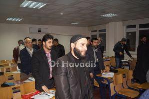 Suriyeliler Of'ta Türkçe öğreniyor