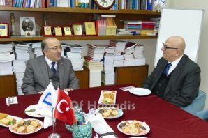 Başkan Gümrükçüoğlu, mimarlarla görüş alışverişind