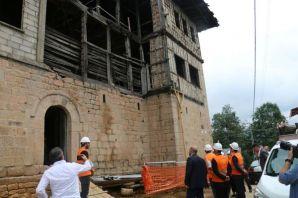 Vali Ustaoğlu Of'ta devam eden projeleri inceldi
