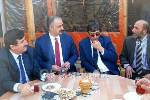 Vali Öz'den Gazeteci Öztürk'e ziyaret