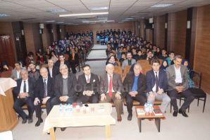 Yazar Kabahasanoğlu'ndan Oflu öğrencilerle söyleşi