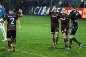 Trabzonspor Rize'de Rizespor'u 2-1 mağlup etti