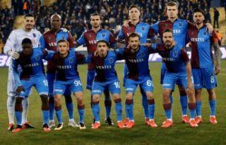 Malatya'yı yenen Trabzonspor Süper lig'in yeni...