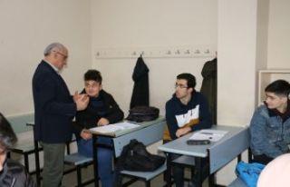 Müdür Aktaş'tan üniversiteye hazırlık kurslarına...