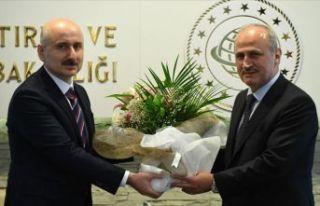 Ulaştırma ve Altyapı Bakanı Karaismaloğlu görevi...