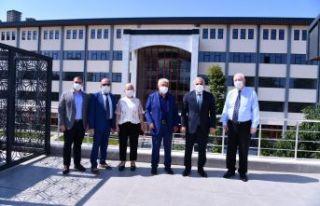 Başkan Zorluoğlu'ndan Avrasya Üniversitesi'ne...