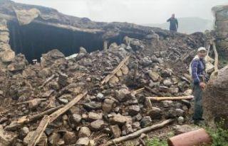 Bingöl Karlıova'da 5,7 büyüklüğünde deprem...