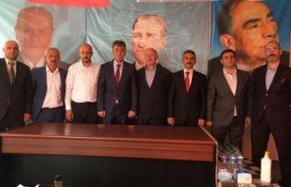 Of MHP'de Hüseyin Ayaz yeniden başkan