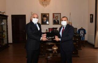 Başkan Zorluoğlu Vali Sonel ve Başkan Güler'i...