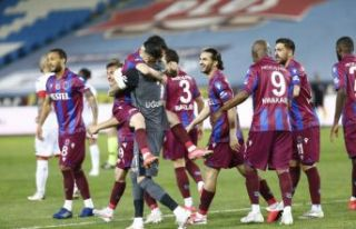 Trabzonspor Antalyaspor'u 2 golle geçti