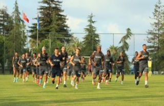 Trabzonspor UEFA Konferans Ligi play-off turundaki...