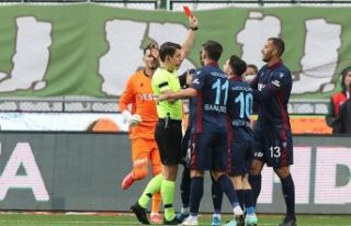 Trabzonspor Konya ile berabere kaldı liderlik fırsatını...