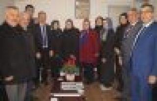 AK Parti Of Havadis'in Gazeteciler Gününü kutladı