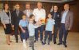 Ali Bulut İlkokulu öğrencilerinden Başkan Sarıalioğlu'na...