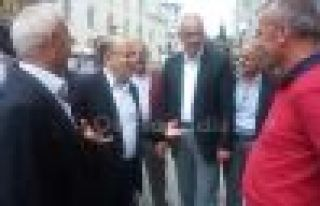 Başkan Gümrükçüoğlu Hayrat'ta vatandaşlarla...