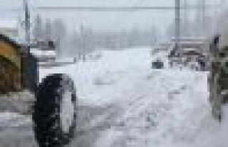 Büyükşehir yüksek kesimlerde kar mücadelesine...