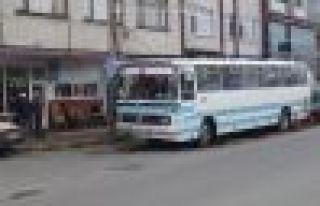 Büyükşehir'den Of'a eski otobüse Oflulardan...