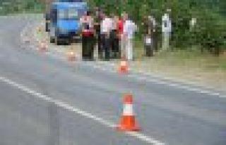 Çaykara Uzungöl yolunda kaza; 4 yaralı