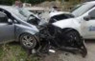 Dernekpazarı Of yolunda kaza; 6 yaralı