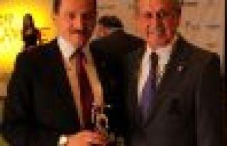 Genel Müdür Atalay'a Hizmet Onur Ödülü