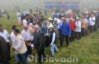 Mesoraş'ta 6 Bin kişi sıraya girip bayramlaştı...