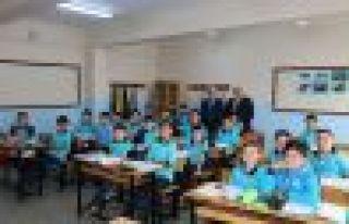 Müdür Kabahasanoğlu'ndan 1 ayda 26 okula ziyaret