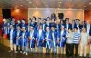 Of Anadolu İmam Hatip Lisesi mezunları veda etti
