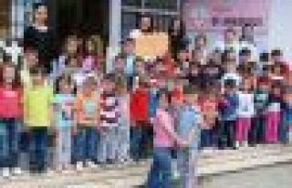 Of Anaokulu öğrencileri Obozite için yürüdü