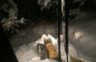 Of Belediyesi 13 iş makinesi ile kar mücadelesinde