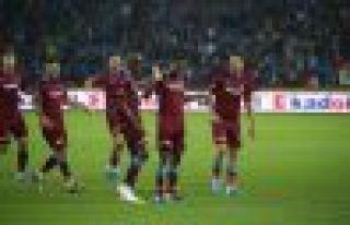 Trabzonspor Gaziantep'i farklı yendi, ikinciliğe...