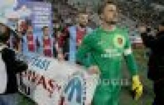 Trabzonsporlu futbolcular Kansere dikkat çekti