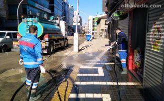 Trabzon'da cadde ve sokaklar gece gündüz temizleniyor