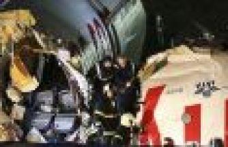 İstanbul Sabiha Gökçen'de uçak pistten çıktı; 3 öl
