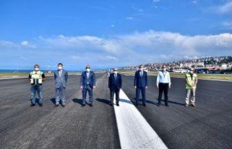 Vali Ustaoğlu ve Başkan Zorluoğlu havalimanı pistini inceledi