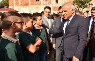 Büyükşehir'den 720 öğrenciye tablet desteği