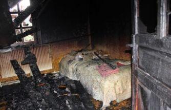 Ballıca'da bir ev yanarak kullanılamaz hale geldi
