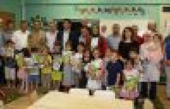 Dernekpazarı Atatürk İlkokulu'nda karne sevinci
