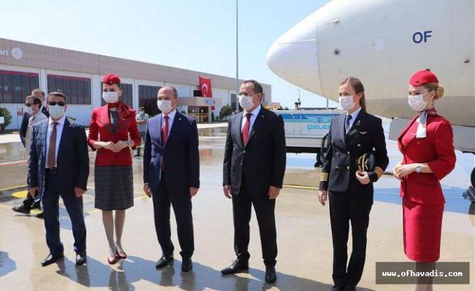 THY 19 Mayıs özel uçuşunu Of uçağı ile gerçekleştirdi