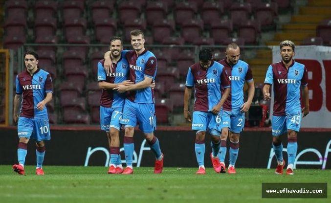 Trabzonspor G.Saray'ı devirdi zirve takibini devam ettirdi