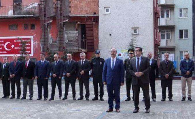 Atatürk vefatının 80.yılında Dernekpazarı'nda anıldı