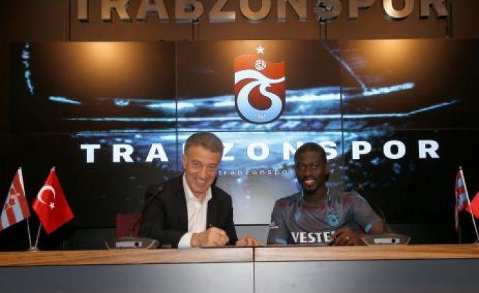 Trabzonspor Badou Ndiaye ile sözleşme imzaladı